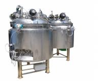 Реактор для инъекционных растворов объемом 700 л. с программируемой системой управления