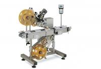Автомат для наклеивания этикеток сверху и снизу CVC 220